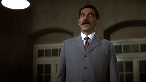 gandhi-movie-clip-screenshot-fighting-without-violence_large