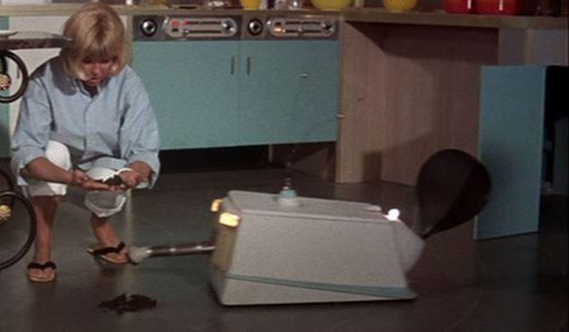 glass-bottom-bug-vacuum-robot-3-x640