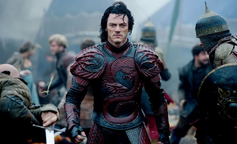 Luke-Evans-Dracula-hp-GQ-23Jan15_rex_b_1083x658