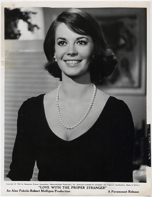 Love-with-the-Proper-Stranger-gif-natalie-wood-30383298-500-648