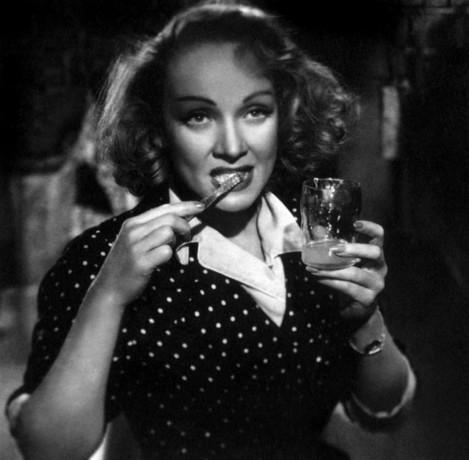 Annex-Dietrich-Marlene-A-Foreign-Affair_NRFPT_04