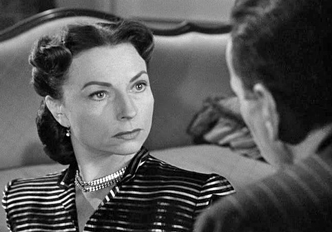 agnes-moorehead-dark