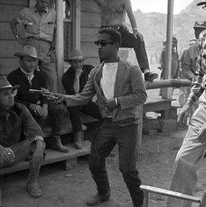 sammy-davis-jr.-in-sergeants-3-(1962)-large-picture
