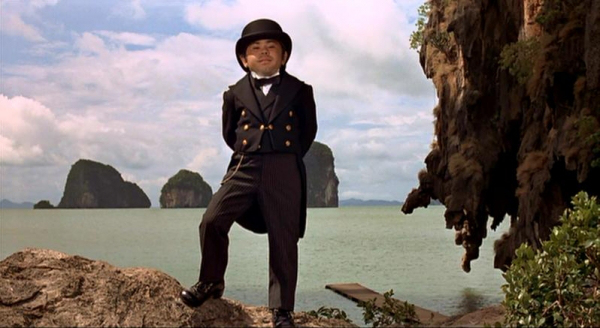the-man-with-the-golden-gun-james-bond-christopher-lee-roger-moore-spy-thriller-action-movie-villechaize-movie-review-1974-film