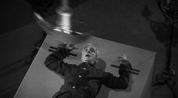 raven-1935-movie-review-the-pit-and-the-pendulum-murder-scene