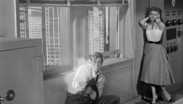 Beginning Of The End (1957)_039