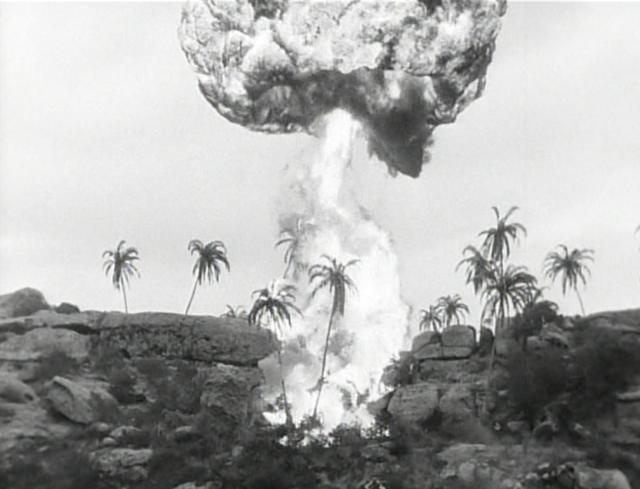 1944-Fighting Seabees-DD Wall-mushroom cloud
