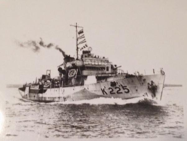 K225 HMCS Kitchener