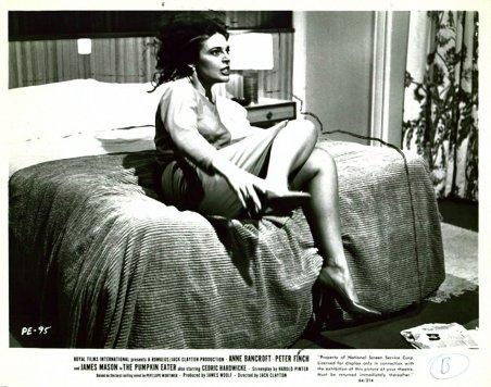 1964 The pumpkin eater - Siempre estoy sola (foto) 11
