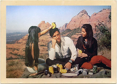 elvis_on_set_red_rocks
