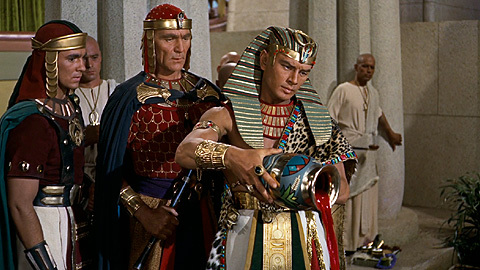 the-ten-commandments-movie-clip-screenshot-river-of-blood_large