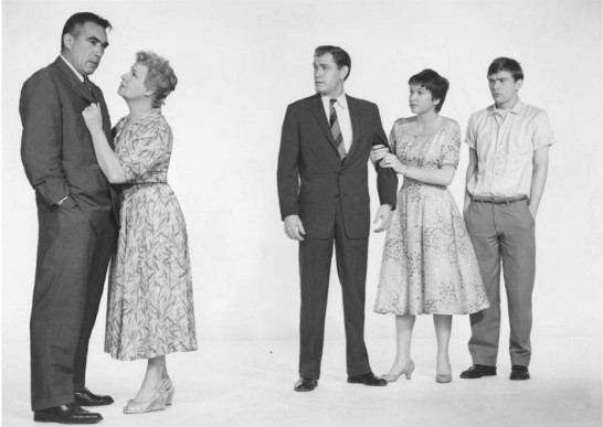 Anthony-Quinn-Shirley-Booth-Earl-Holliman-Shirley-MacLaine-Clint-Kimbrough-Hot-Spell-1958