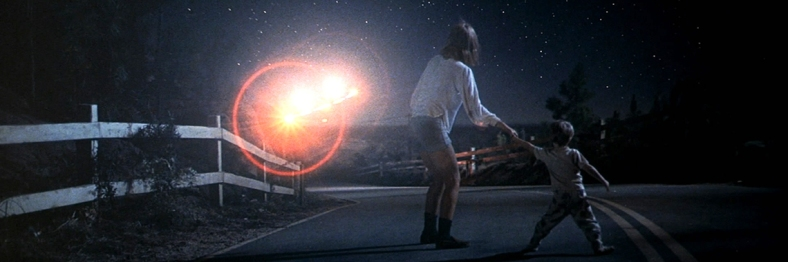Close-Encounters-of-the-Third-Kind-LB2-1