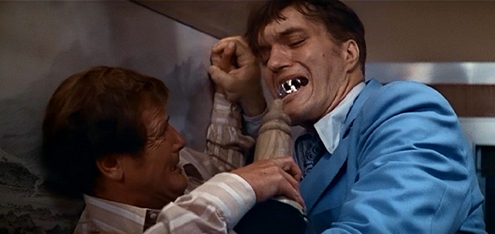 spy-who-loved-me-bond-jaws1