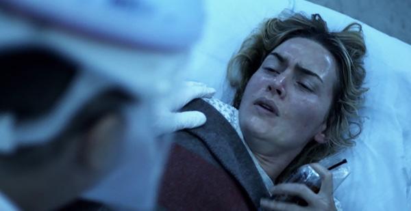 Vos films préférés de Kate Winslet Contagion-2011-movie-dr-erin-mears-infected-sick-death-kate-winslet-review