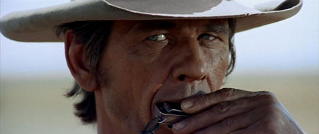 450px-OnceUponATimeInTheWest-Review-Close-01