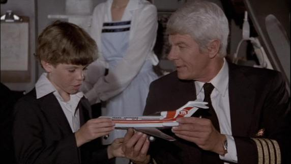 airplane-movie-image-peter-graves-01