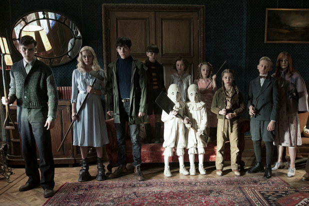 miss-peregrines-home-for-peculiar-children-DF-12584_rgb