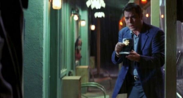 ray-liotta-as-rhodes-in-identity-2003
