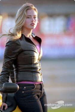 indycar-movie-driven-2001-actress-estella-warren-plays-sophia-simone