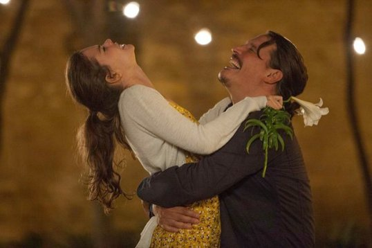 Sergio Peris-Mencheta and Laia Costa in Life Itself (2018)