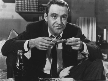 apartment-the-1960-004-jack-lemmon-eats-chicken-bfi-00m-jcp