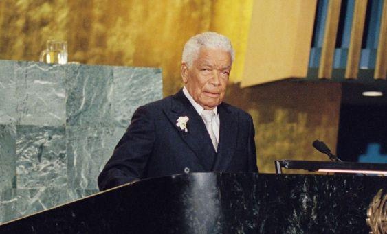 l-acteur-earl-cameron-inception-the-queen-est-mort-age-102-ans